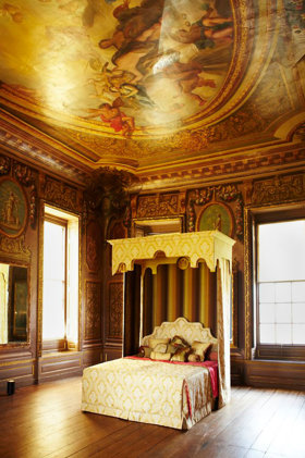 Royal-Bed-HighRes4-jpg_122843